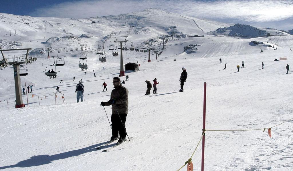 Skifahrer in der Sierra Nevada