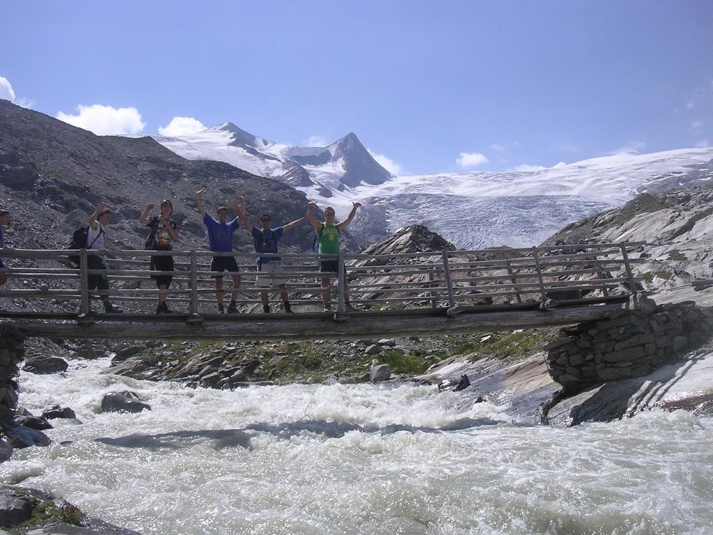 Bergführer Vittorio Messini am Gletscherweg Innergschlöß (Osttirol)