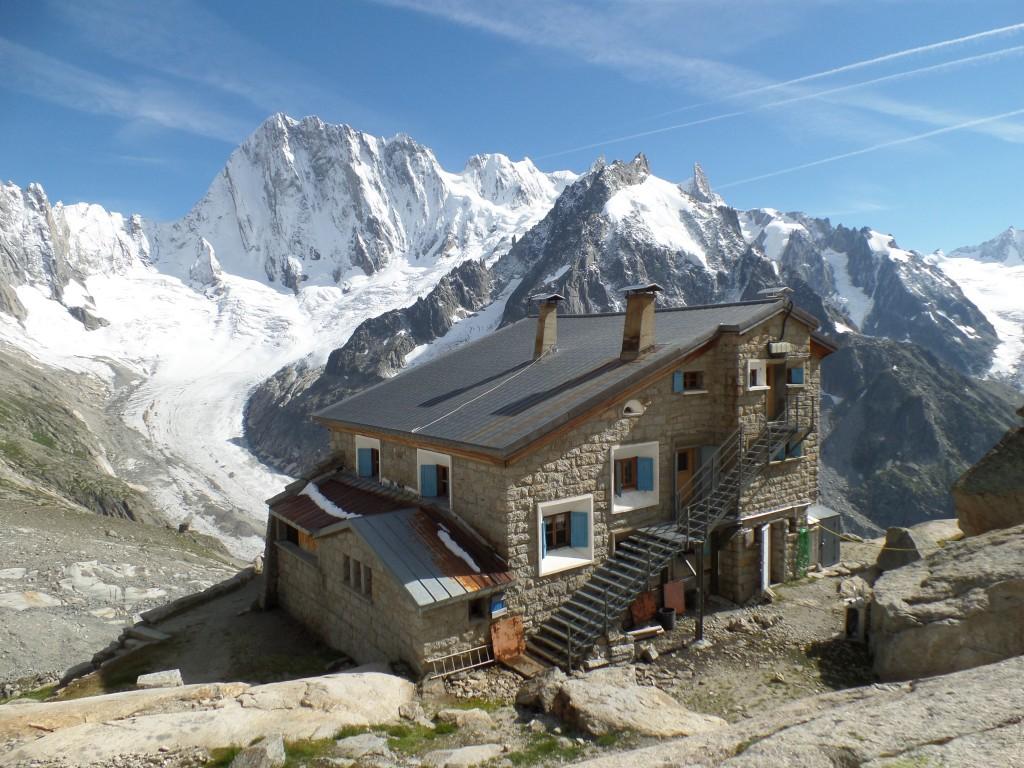 Die Couvercle Hütte im Mont Blanc Massiv