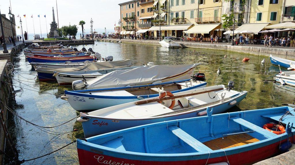 Den Frühling am Gardasee begrüßen – mediterranes Klima und ein wahres Blütenmeer